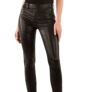 Mid-Rise Super-Skinny Leather Legging In Noir